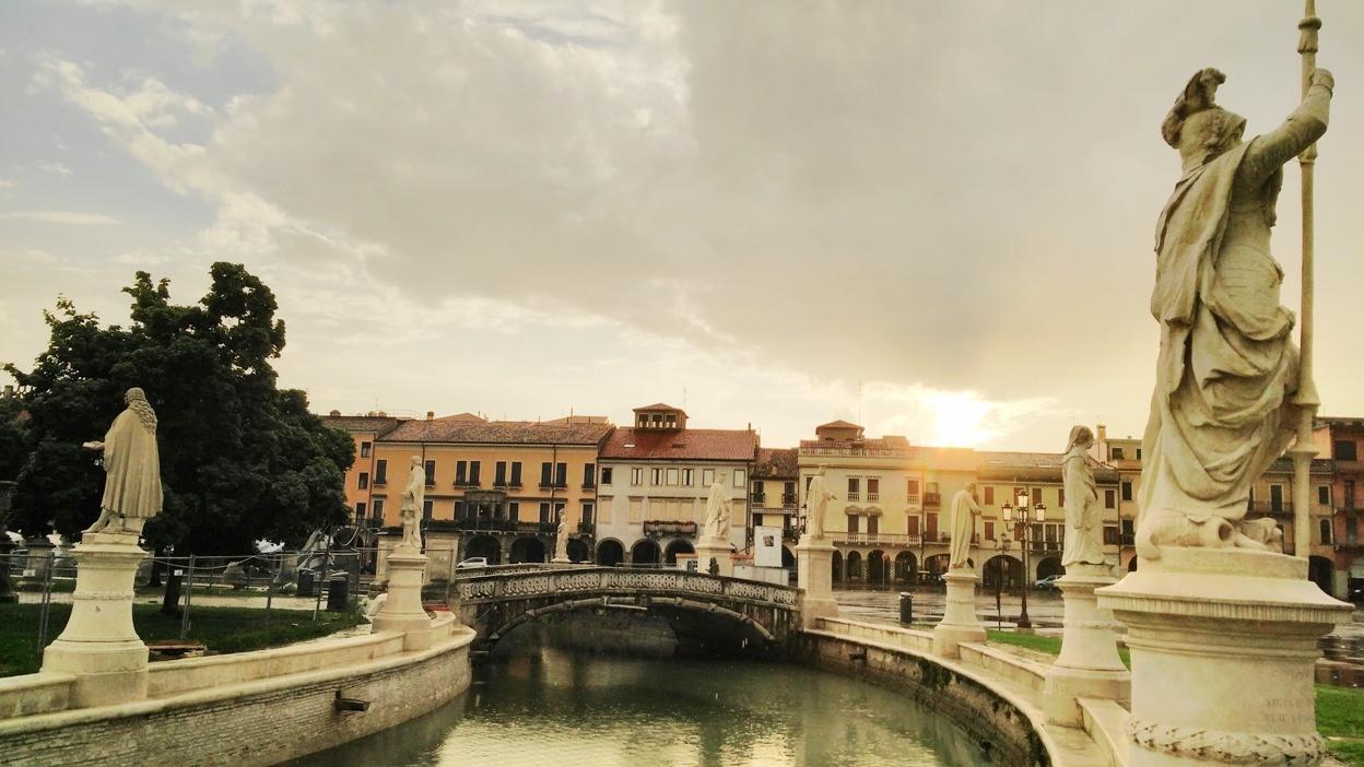 Kocsmaturista - Padova főtere, a Piazza dei Signori