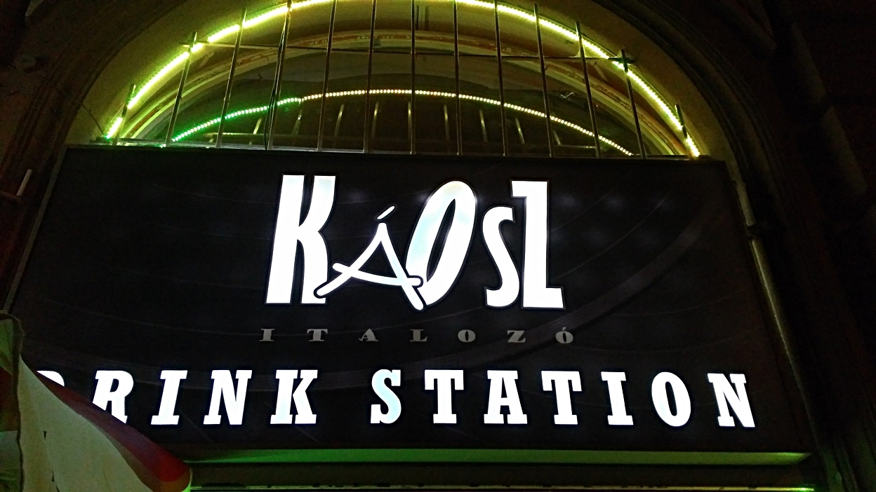 kocsmaturista_kaosz_logo