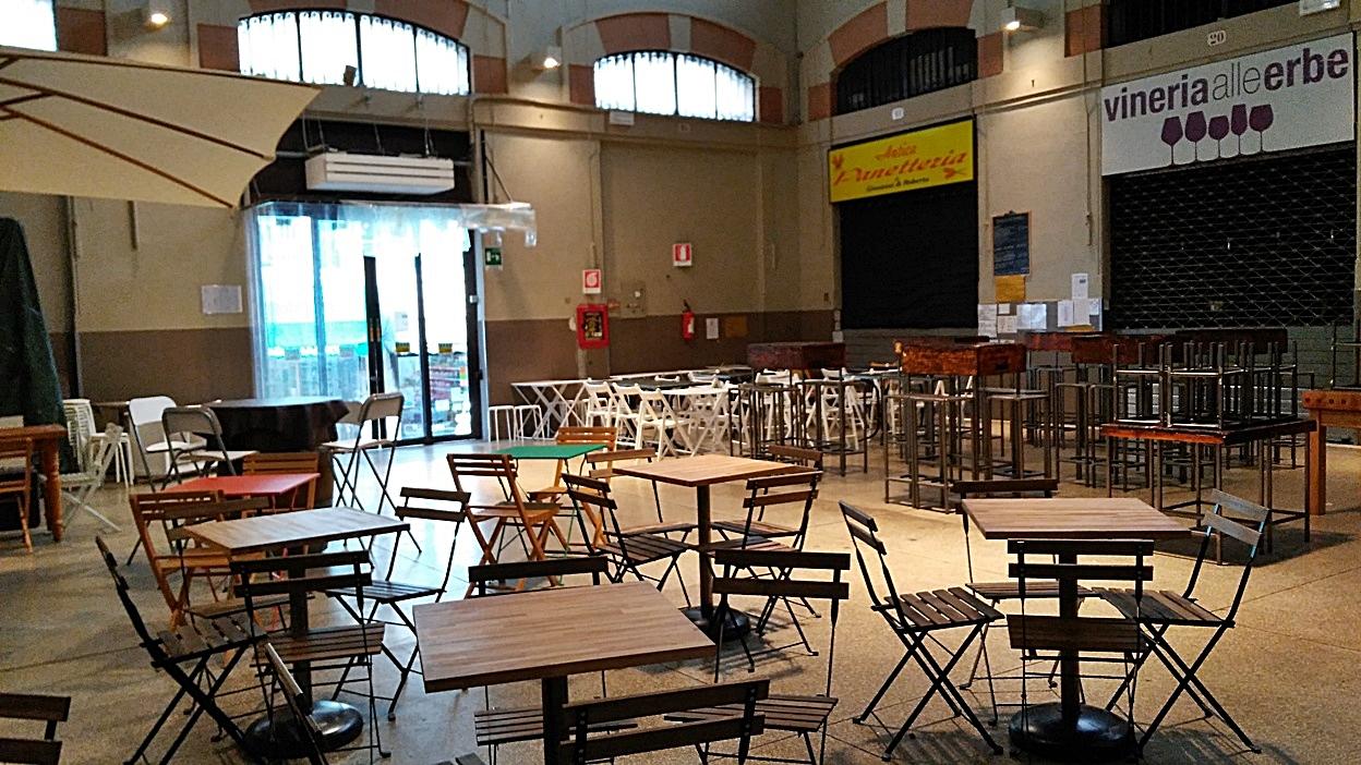 kocsmaturista_bologna_mercato_delle_erbe_ünnepen