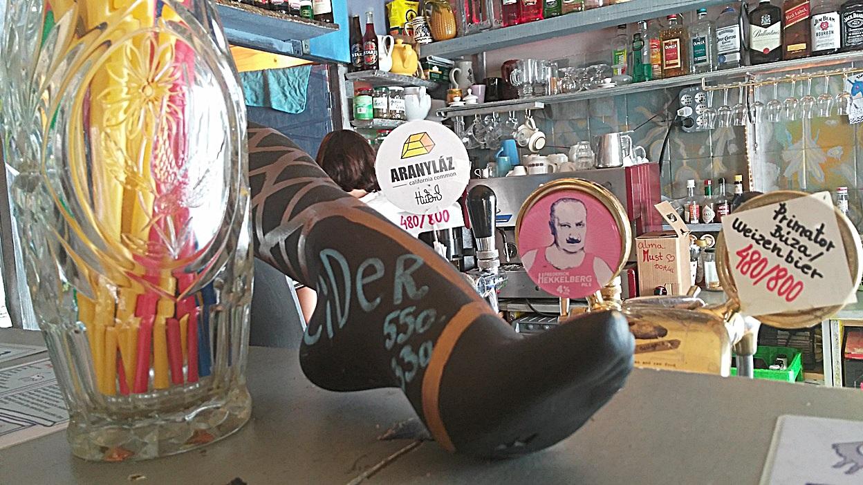 (egy korábbi kép a csapról, mert ezt a lábat muszáj megmutatni:)