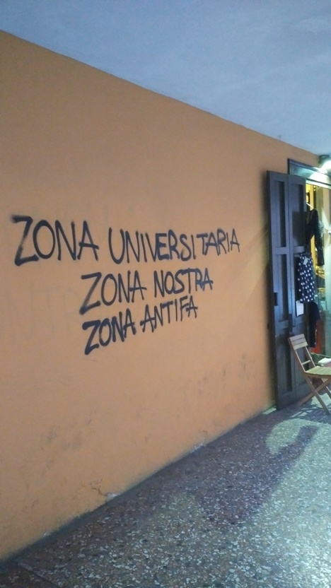 """""""egyetemi terület, a mi területünk, antifasiszta terület"""""""