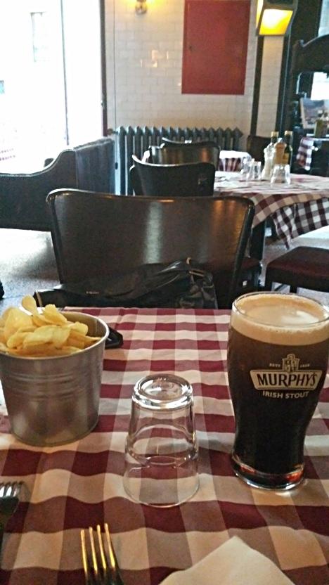 Murphy's és chips a La Gazetta di sera-ban