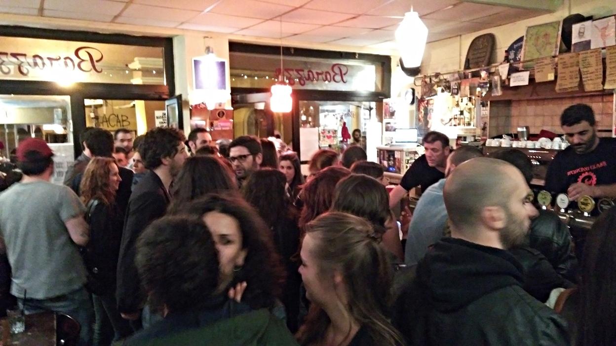 A Barazzo tömege bolgnai péntek este