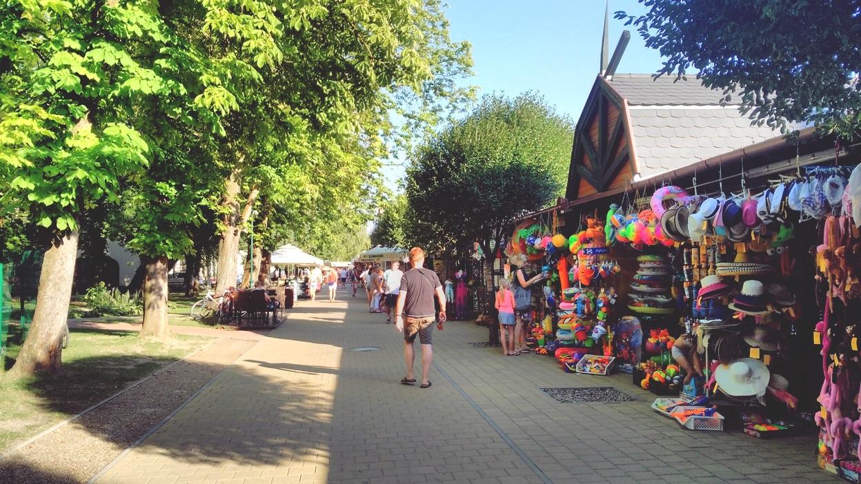 A keszthelyi pavilonsor 2016 nyarán