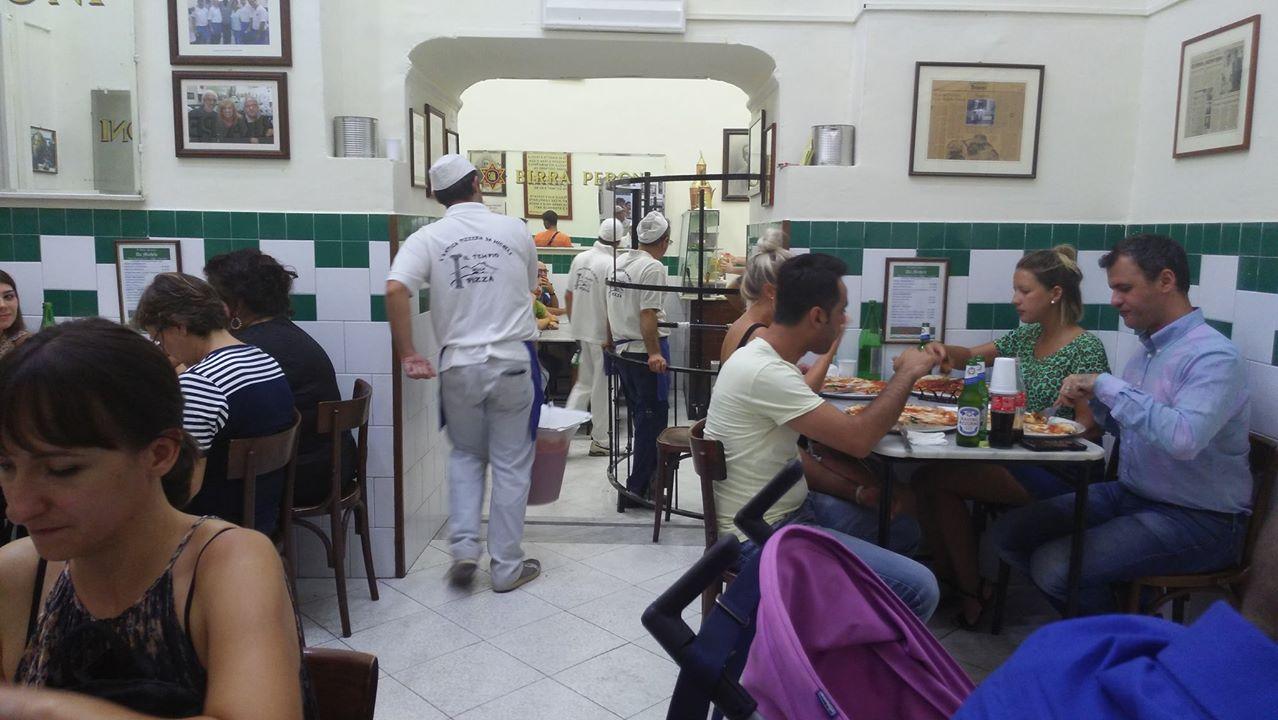 L'antica pizzeria da Michele belső tere - Kocsmaturista
