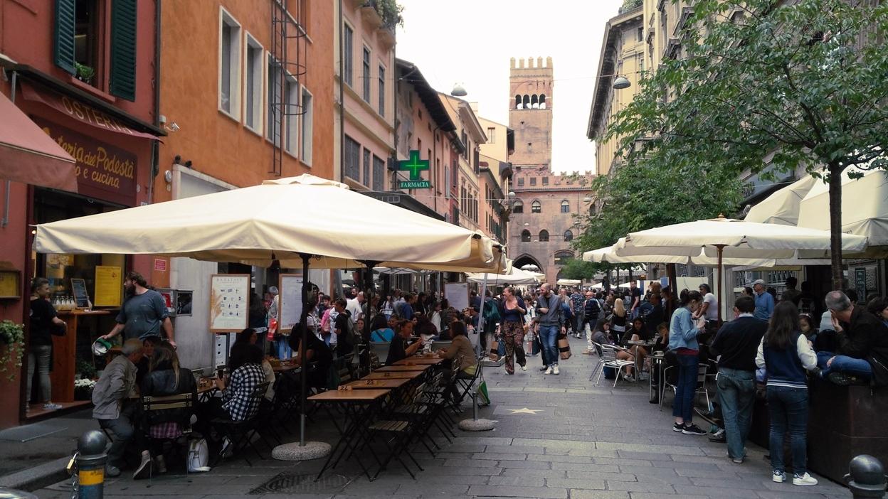 Bologna összképe - Kocsmaturista