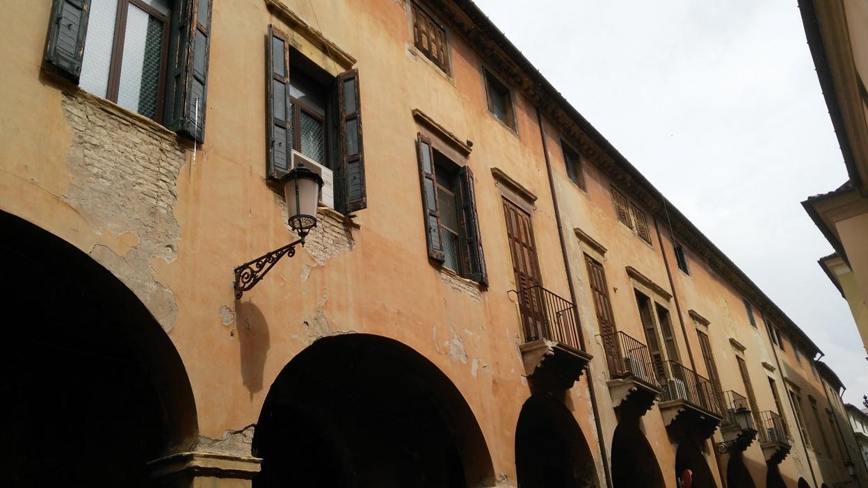 Zsaluk és árkádok Padovában - Kocsmaturista