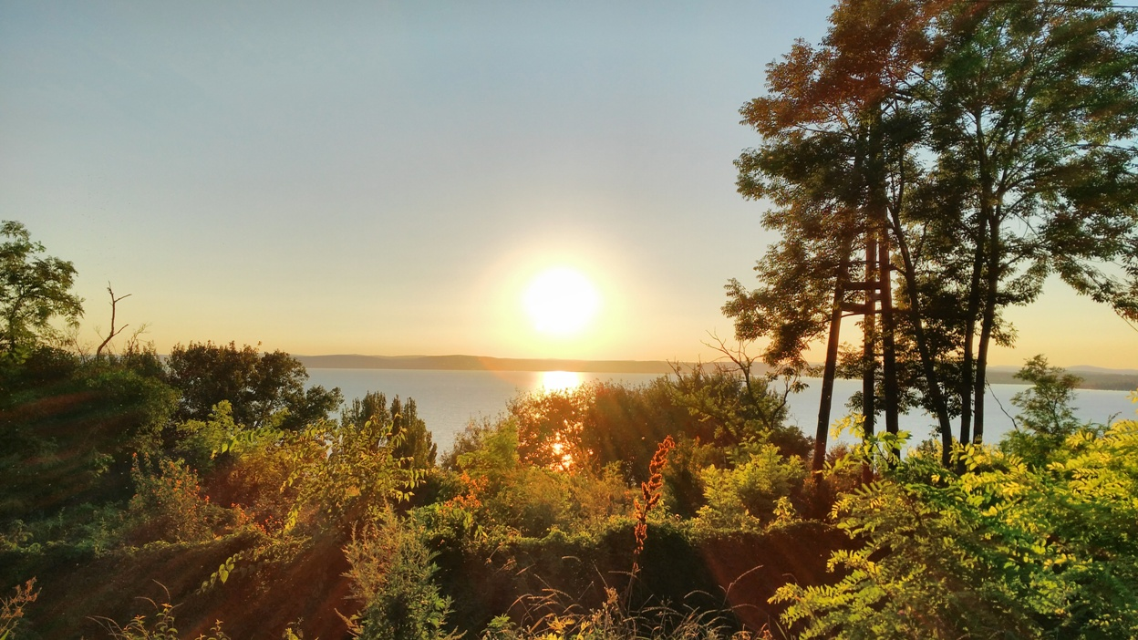 Balatonvilágos magasparti panorámája - Kocsmaturista