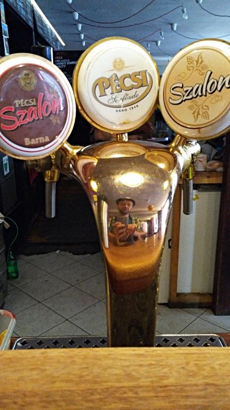 A Pécsi sör csapjai a Nappaliban