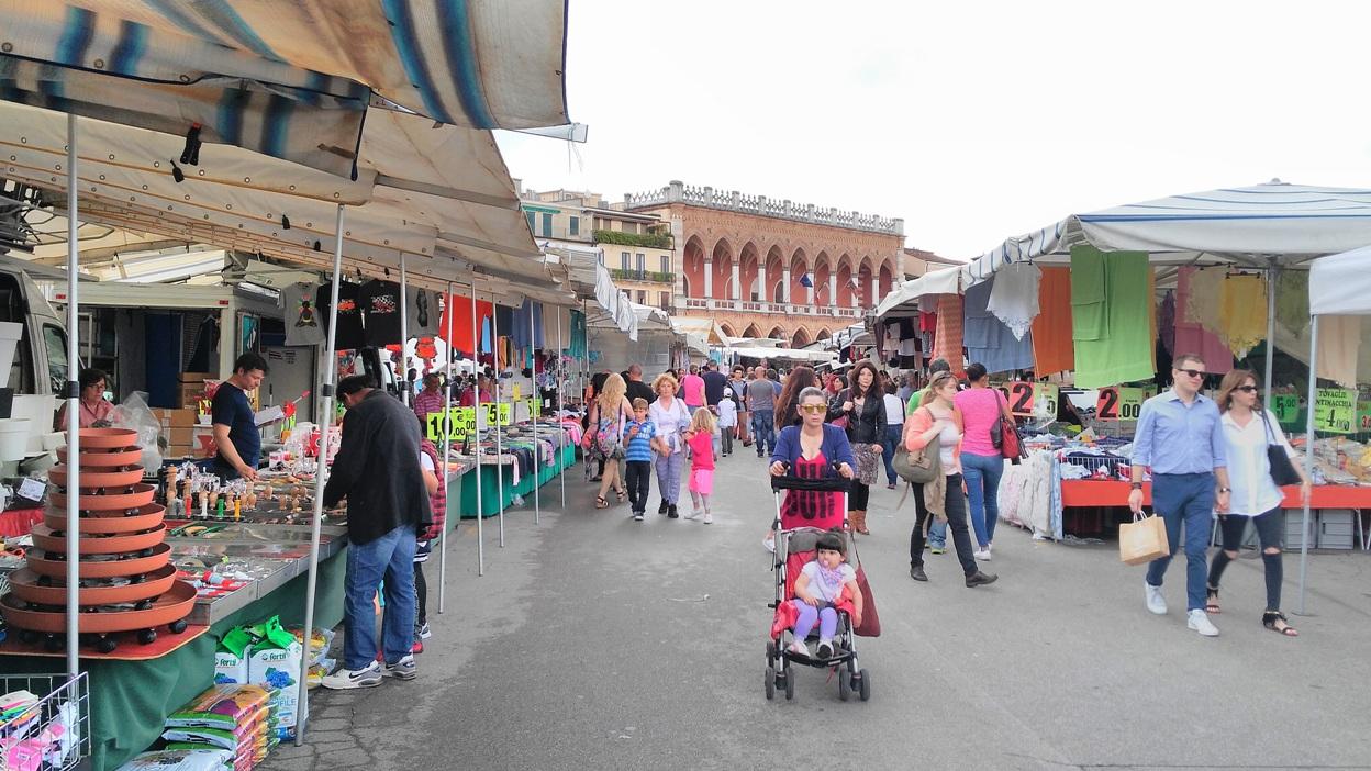 Piac a piazza dei signori-n, Padova - Kocsmaturista