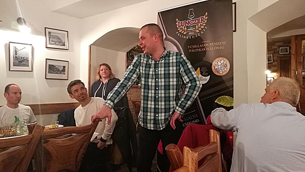 Kocsmaturista - Lunczer pálinkaház bemutatkozója az Öszvérben
