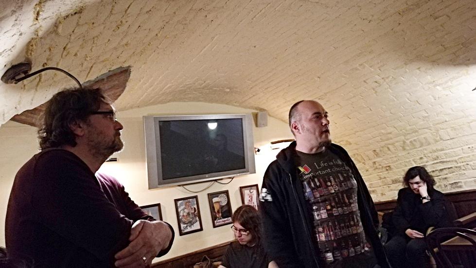 Maláta Kovács Gábor az Ogre bácsiban ad elő - Kocsmaturista