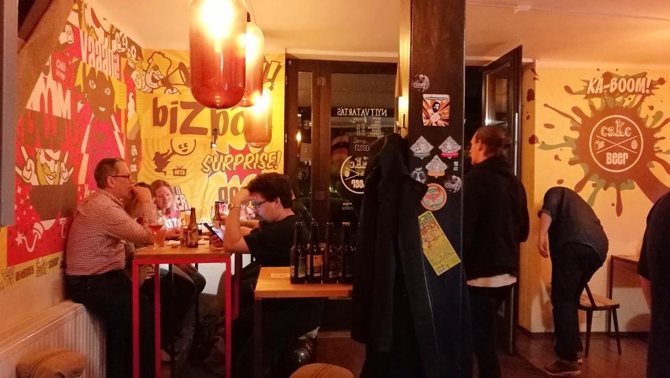 A Cake and Beer Budapesten - Kocsmaturista