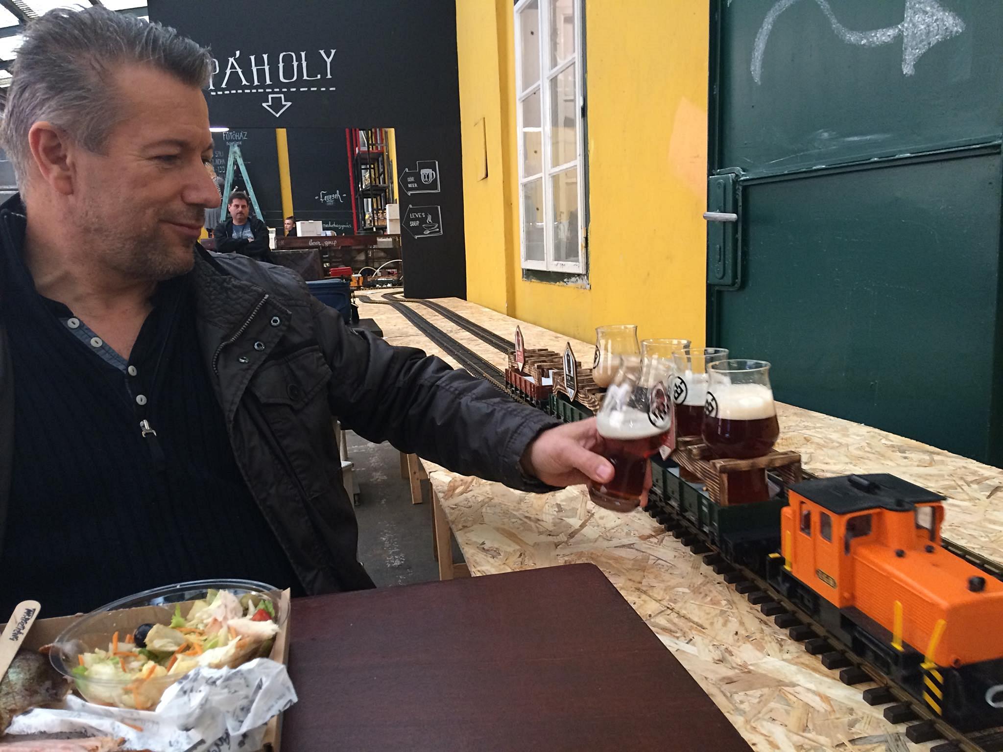 A Food Truck Udvar Élesztő Páholyában a Fűtőház sörök felhasználása - Kocsmaturista
