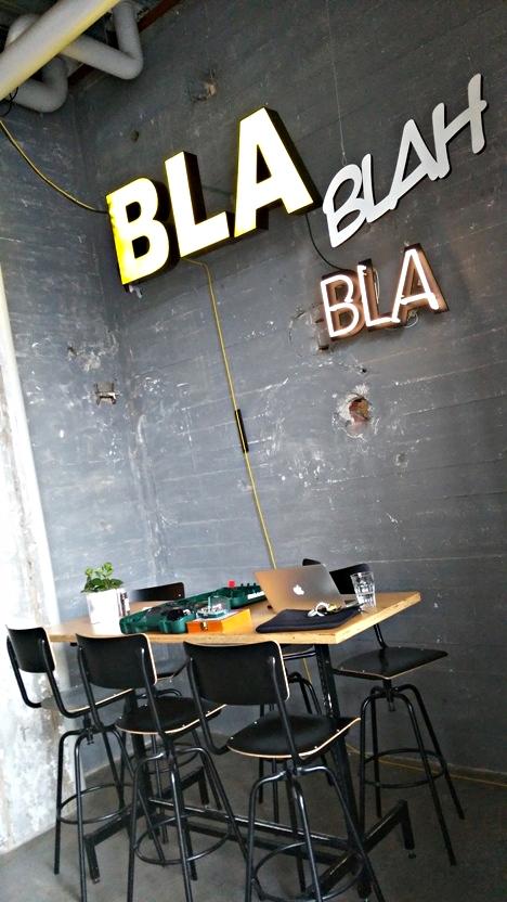 Bla bla bla - Onder de Leindingstraat, Eindhoven, Stripj-S - Kocsmaturista