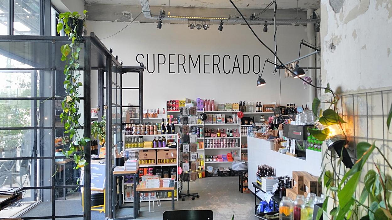 Az Onder de Leindingstraat Supermercato része, Eindhoven, Stripj-S - Kocsmaturista