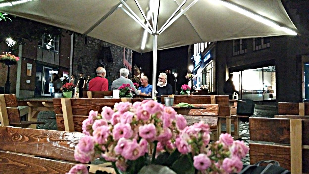 A Hexenhof am Apfelbaum étterem terasza Aachenben - Kocsmaturista
