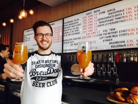 A berlini BrewDog Bar üzletvezetője a Mad Scientist Mango Bay-jével