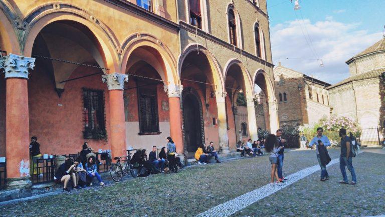 Piazza Santo Stefano Bolognaban - Kocsmaturista