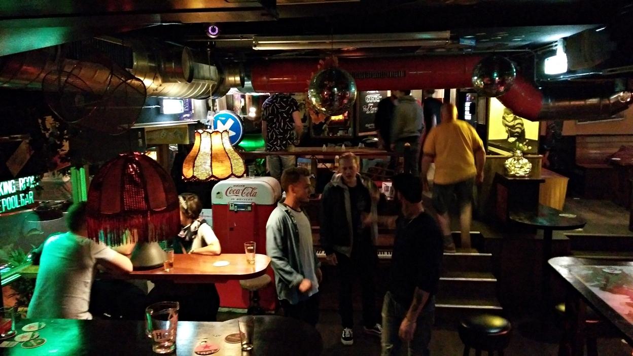 Az első benyomások a Pool Bar belső teréről - Kocsmaturista