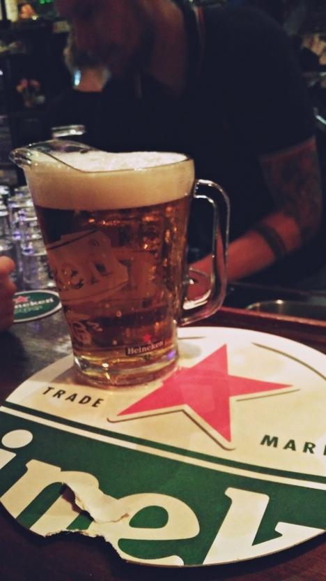 A Heineken kancsóban, Pool Bar, Amszterdam
