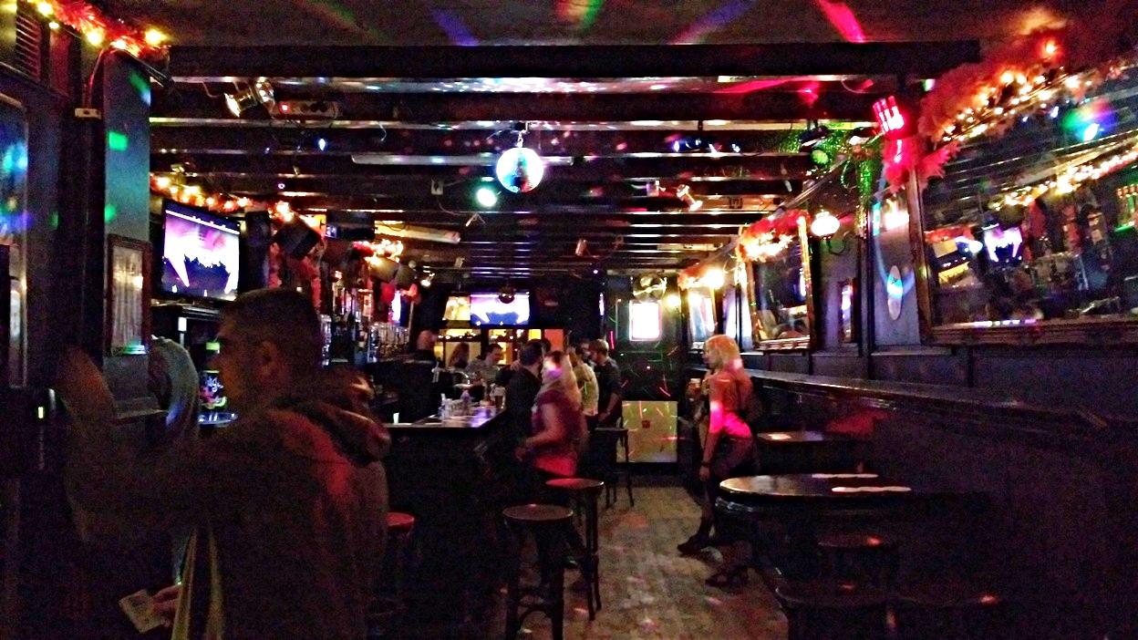 Café Nota Bene belülről, Amszterrdam - Kocsmaturista