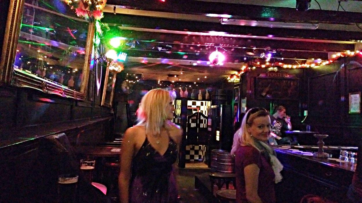 A táncparkett a Café Nota Bene-ben, Amszterdamban - Kocsmaturista