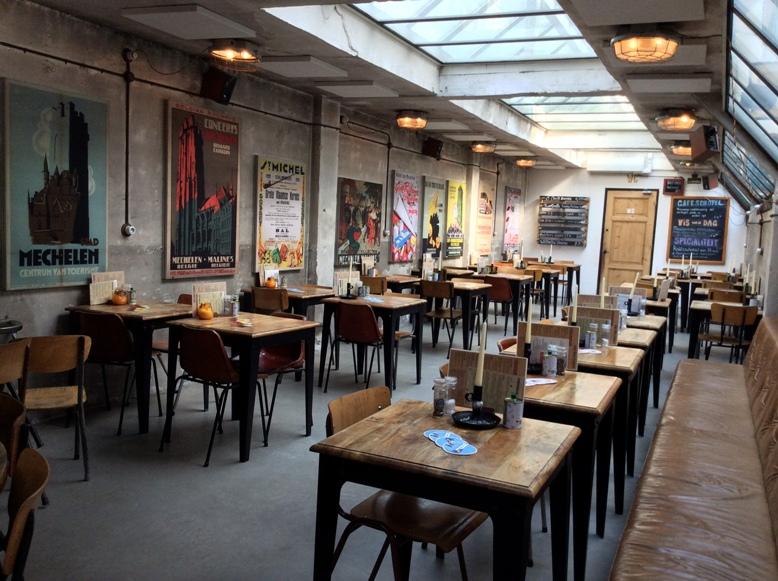 A Van Mechelen beső terme Amszterdamban - Kocsmaturista
