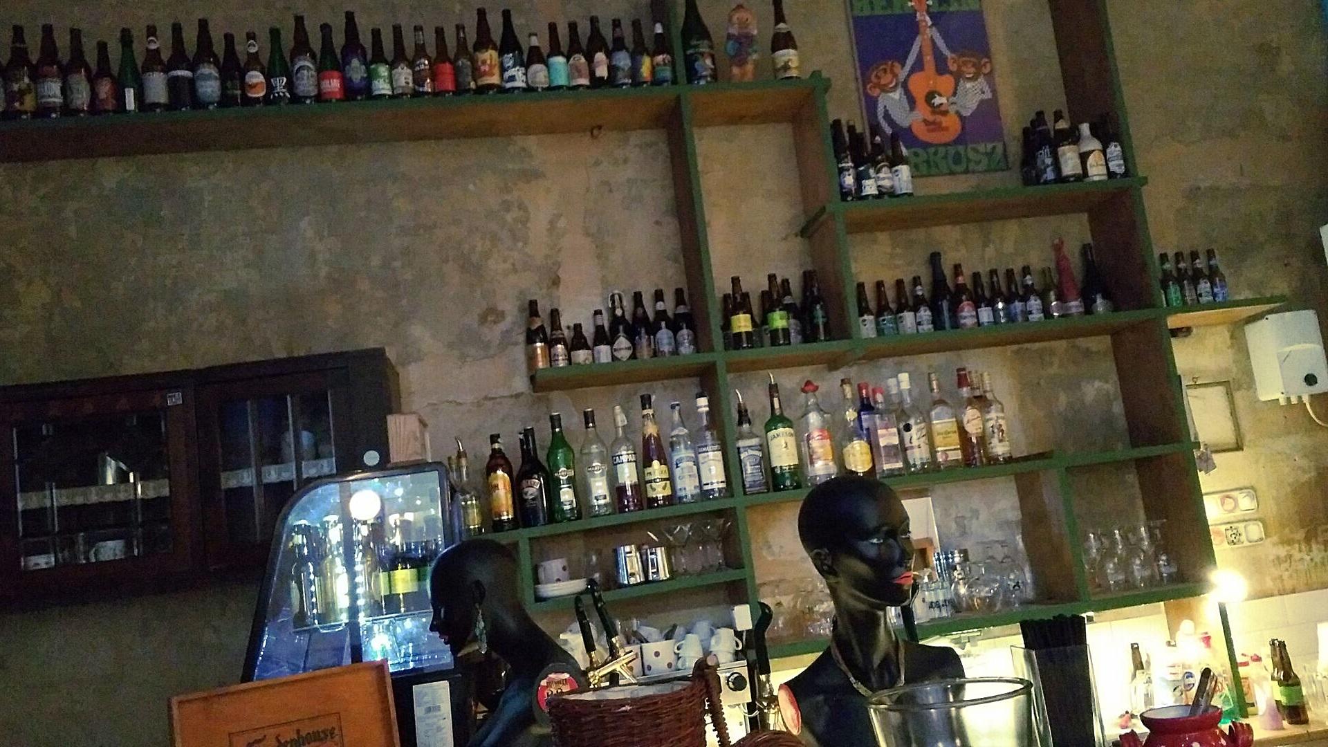 A Szimpla Kávézó, Budapest - Kocsmaturista
