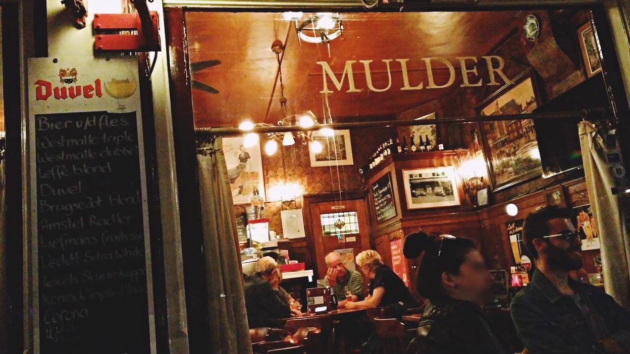 A Café Mulder az üvegen át Amszterdamban - Kocsmaturista