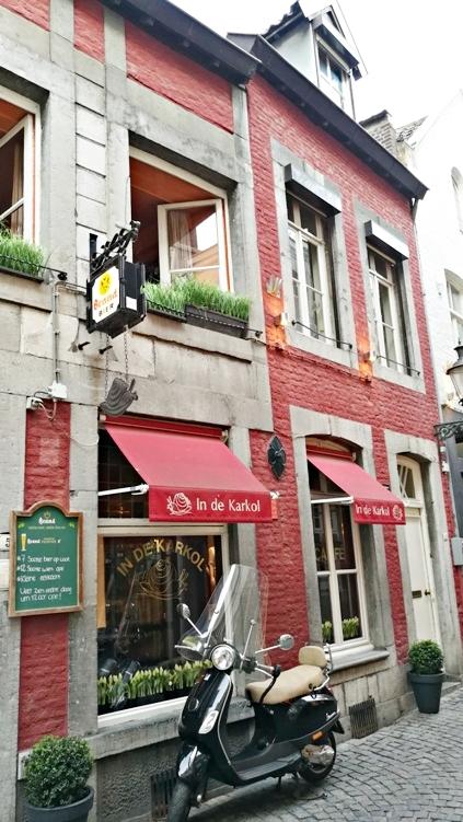 A Café in de Karkol bejárata Maastrichtban - Kocsmaturista