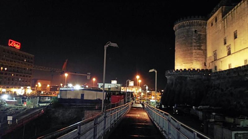 A Nápolyi kikötó felé - Kocsmaturista