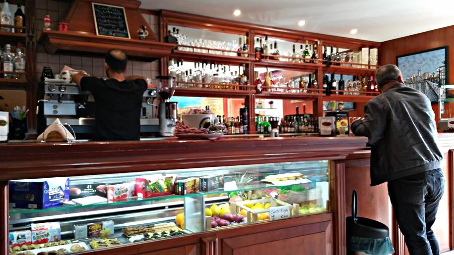 Puglia kocsmái - Caffé degli Artisti, Bari - Kocsmaturista