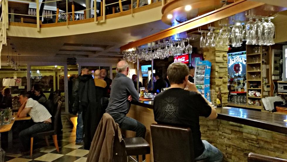 Az Aranyhomok szálloda bárja is egy kecskeméti kocsma - Kocsmaturista