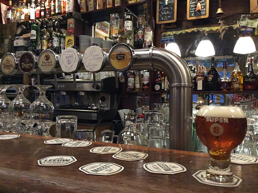 Super 8 sör, a Café De Pieter, Maastrichti kocsmában - Kocsmaturista