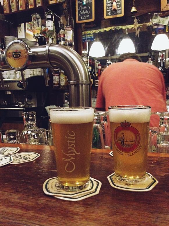 Mystic sör egy maastrichti kocsmában, a Café De Pieterben - Kocsmaturista