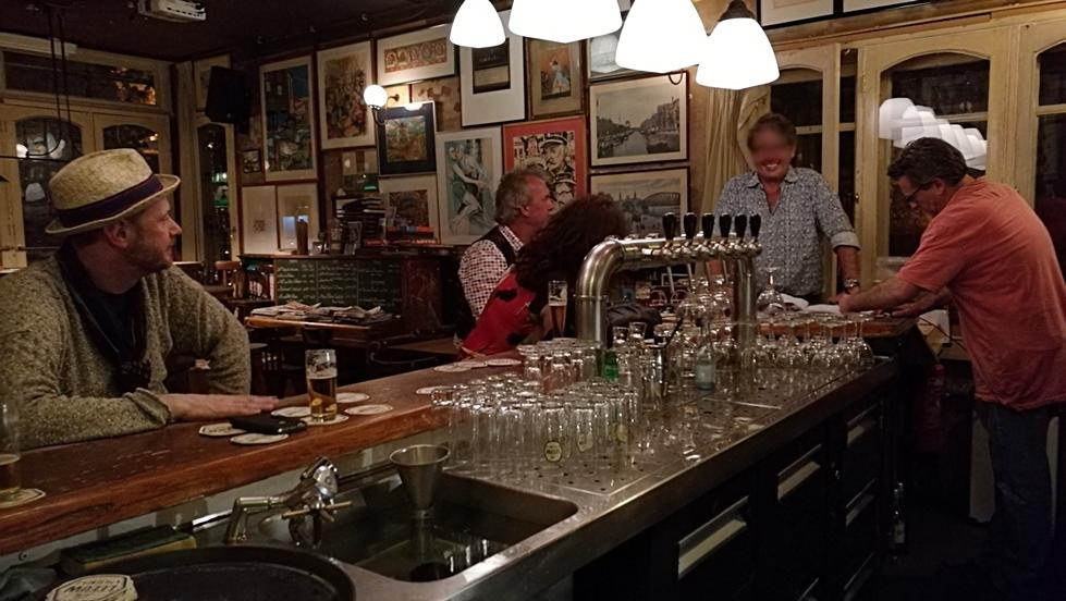 A Café De Pieter, maastrichti kocsma elegáns vendégei - Kocsmaturista