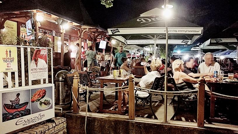 Római part - Evezős sörkert - Kocsmaturista