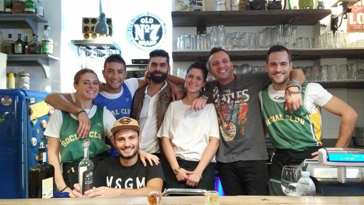 Molfetta kocsmái és városi legendáji - a Beer Condicio csapata - Kocsmaturista