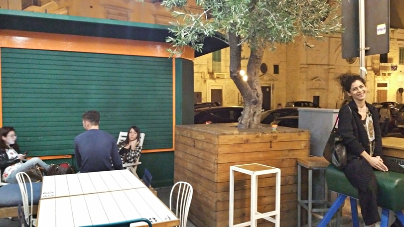 Beer Condicio terasz - Molfetta kocsmái és városi legendái - Beer Condicio terasz - Kocsmaturista