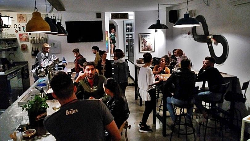 Molfetta kocsmái és városi legendái - Beer Condicio hajnali egykor - Kocsmaturista