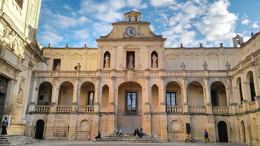 Lecce kocsmái - Kocsmaturista - A leccei dóm tér, Piazza del duomo