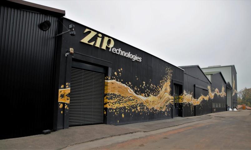 Zip's - ZIP Techonologies - márkás gyártelep - Kocsmaturista