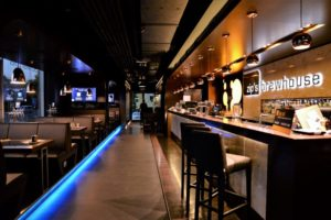 A Zip's Brewhouse Restaurant belső tere Miskolcon - Kocsmaturista
