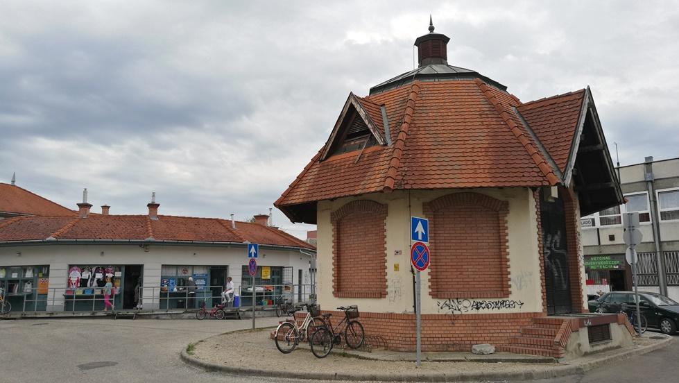 Ceglédi kocsmák - A piaci Wc - Kocsmaturista