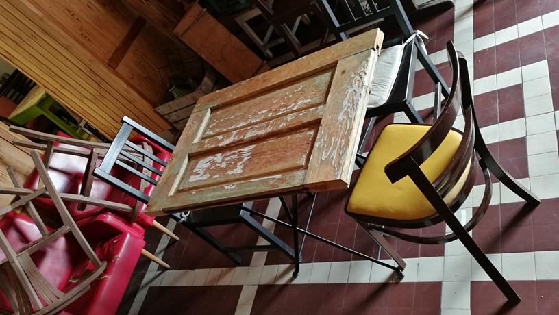 Spalettaasztal - Tizes Vintage bar spaletta asztal - Kocsmaturista