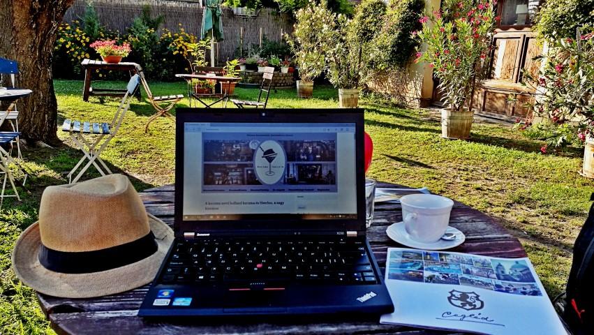 Cegléd kocsmái - Blogírás a Mixer Eszpresszó kertjében - Kocsmaturista