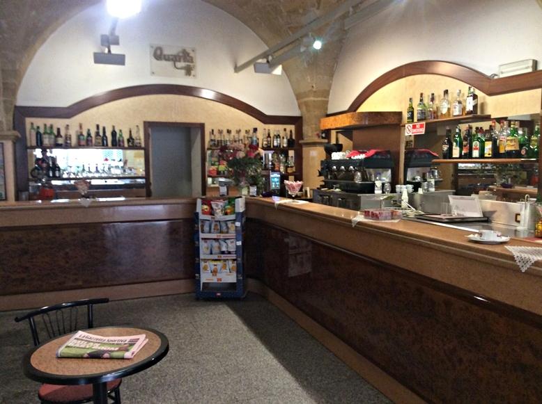 Brindisi kocsmái - American Bar - Kocsmaturista