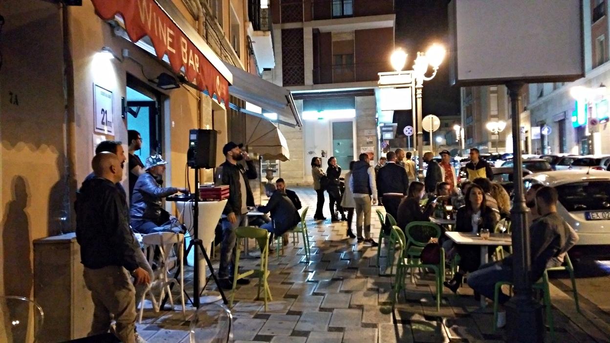 A 21MQ - utcai DJ szett vasárnap este Brindisiben - Kocsamturista