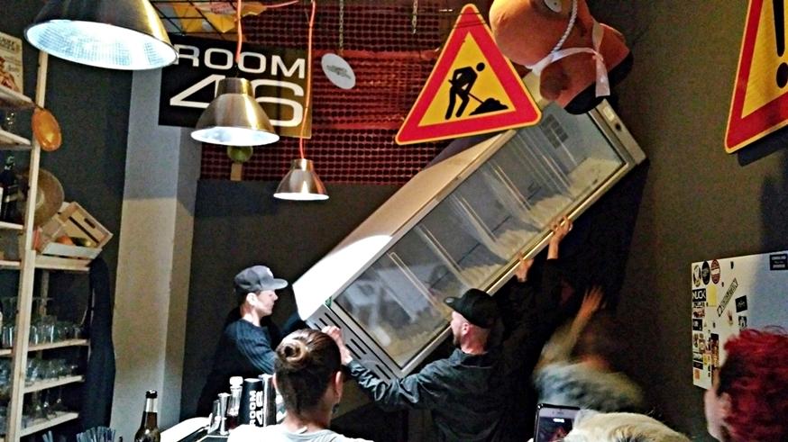 Room 46 belülről akcióban Brindisiben - Kocsmaturista